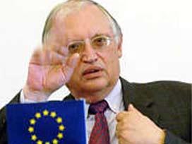 Verheugen'den Türkiye'ye destek çağrısı  .7274