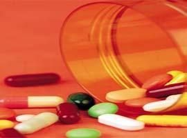 Hastanelerin ilaç stoklaması yasaklandı.7408