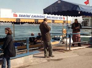 Balık-ekmek tekneleri yeniden Eminönü'nde.15473