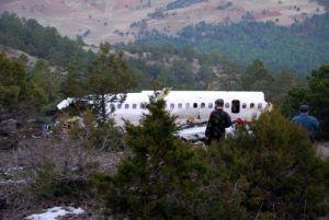 Düşen uçağın parçaları toplanıyor.14485