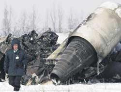 Kazakistan'da düşen uçaktaki Türk hostes kurtuldu.7875