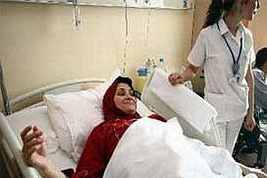 Filistinli yaralıların yüzleri gülmeye başladı.14331