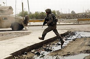 Irak'ta 2 Amerikan askeri öldü.18737
