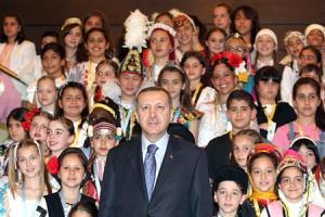 Başbakan Erdoğan, dünya çocukları ile biraraya geldi.65970