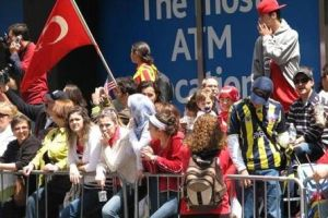 New York sokaklarında Türk Günü festivali kutlandı.20051