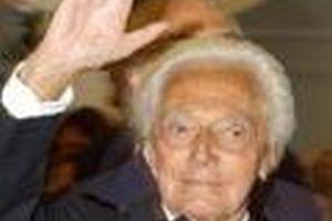 İtalyan yönetmen Risi öldü.8188
