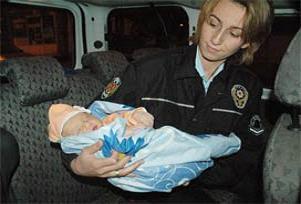 Bayramda doğan bebek sokağa atıldı.12897