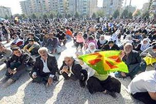 DTP Diyarbakır'da oturma eyleminde.21281