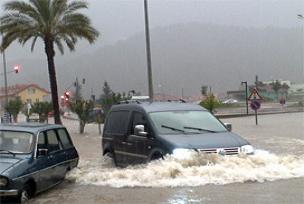 Antalya'da yağmur Burdur'da kar.11672