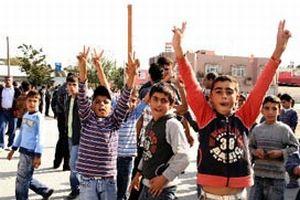 Mersin'de çocuklar barikat kurdu!.18415
