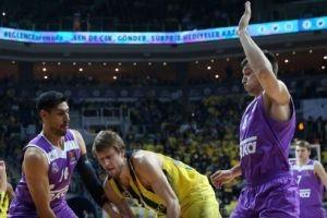 Fenerbahçe, Real Madrid'i sahasında devirdi.21250