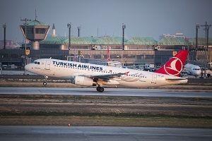 Türk Hava Yolları uçağına yıldırım çarptı.20496