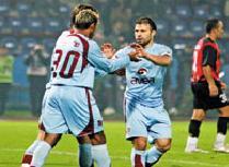 Trabzonspor-Beşiktaş maçına yoğun ilgi.10124