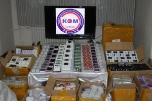Çorum'da kaçak sigara ve elektronik eşya ele geçirildi.13503