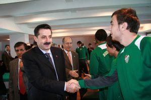 Bakan Çelik, Bursaspor için yardım kampanyası başlattı.27152