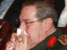 Yaşar Büyükanıt gözyaşlarına hakim olamadı.13752