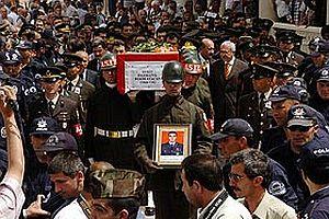 T�rkiye Hakkari'de �ehit d��en askerlerine a�l�yor.27742