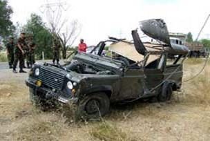 Askeri araç devrildi: 10 asker yaralı.17260