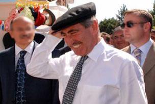 'Yılın Bakanı' ödülü Günay'a verildi.12743