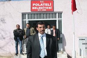 Kovulduğu belediyeye başkan oldu.13353