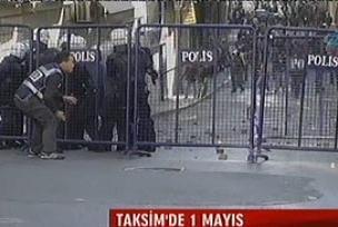 KESK ve D�SK Taksim'e ilerliyor.14122