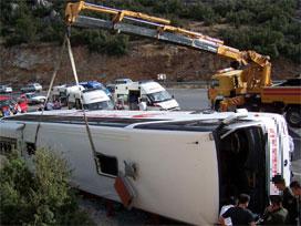 Yolcu otobüsü kaza yaptı: 5 kişi öldü.20439