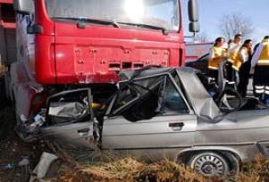 Manisa'da trafik kazası: 1 ölü 2 yaralı.16091