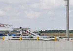 Çorlu'da uçaklar ters döndü.7356