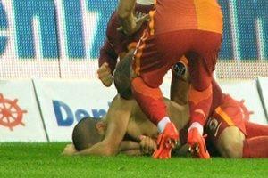 Galatasaray Twitter'dan gönderme yaptı!.22363