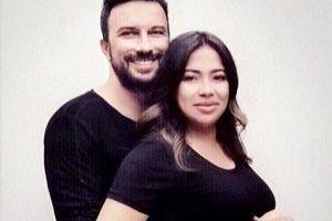 Megastar Tarkan, eşinin fotoğrafını paylaştı.13239